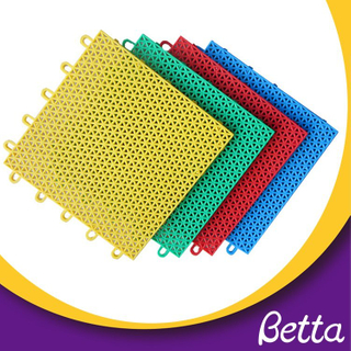 Bettaplay Interlocking plastic sports floor tiles grid