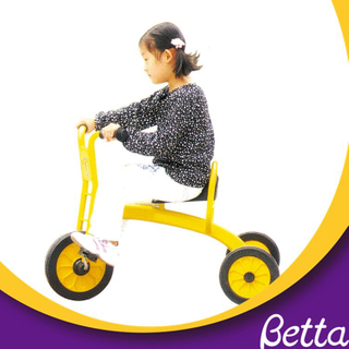 Beautiful small three wheel cheap baby kindergarten tricycle