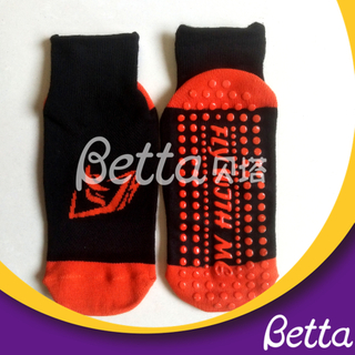 Newest Customized Grip Anti-Slip Safety Cute Trampoline Socks for Trampoline Park