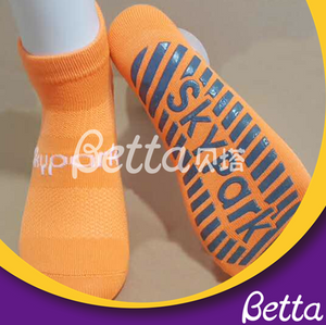 High Quality Customized Grip Socks Anti-Slip Safety Trampoline Socks Trampoline Park