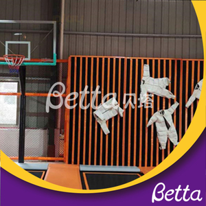 Indoor Playground Spider Wall Soccer Free Jumping Bounce Trampoline Park