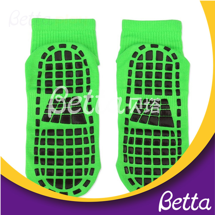 Hot Sale Bulk Wholesale Custom Socks Men Grip Socks Logo High Quality Kids Trampoline Socks